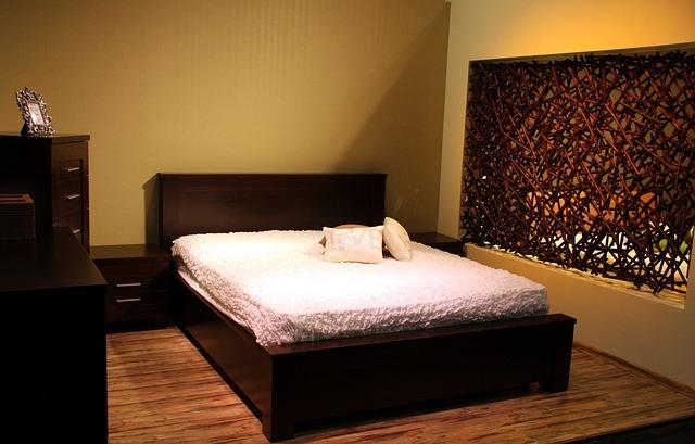 nábytek z masivu – manželská postel